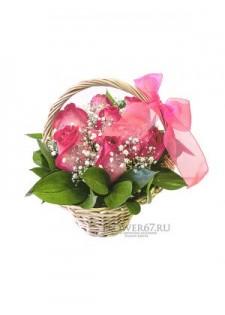 Корзинка с нежными розами