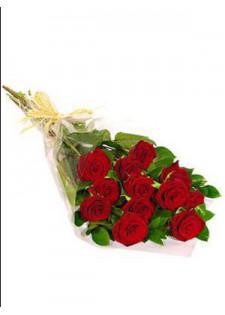 Стандартный букет из красных роз.