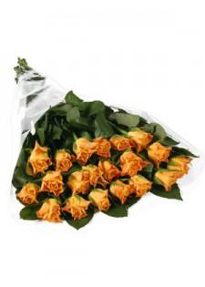 Большой букет из оранжевых роз.